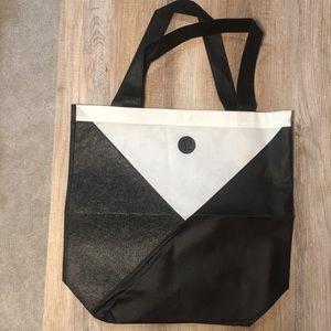 FREE W PURCHASE OF $200+ // LRG Lululemon Bags
